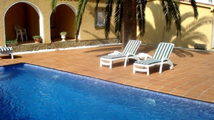 Attitude Services : house for rent for 6 persons with private pool in Empuriabrava