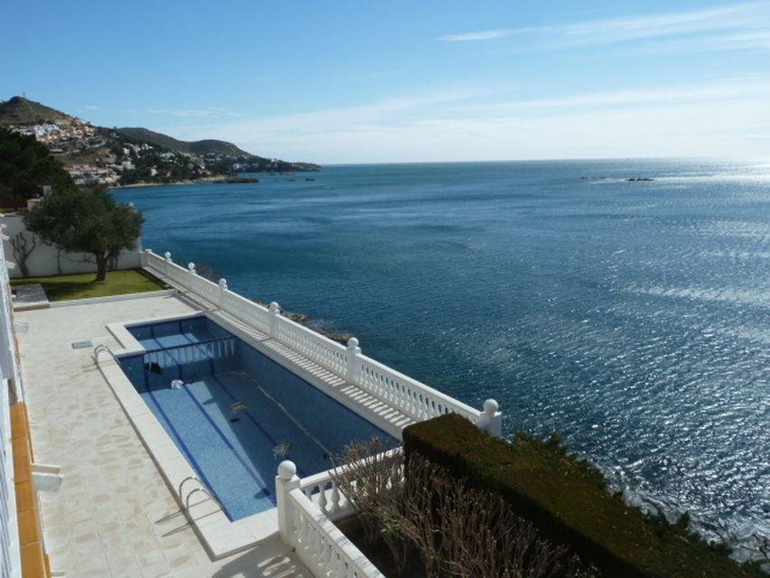 Ravissant appartement en location a rosas vue sur mer for Appartement a louer a mohammedia avec piscine