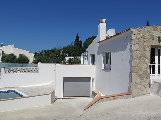 Rosas, Mas Fumats, house for sale, updated, 3 bedrooms, garden, garage, pool and bay's view