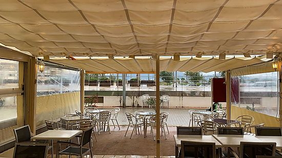 Empuriabrava, for sale, bar restaurant just in front of the beach