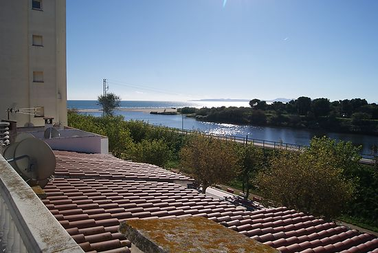 House for sale in Empuriabrava close of the beach and shops