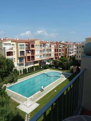 Empuriabrava, apartment for rent with swimming pools by payment  near of beach and shops ref 205