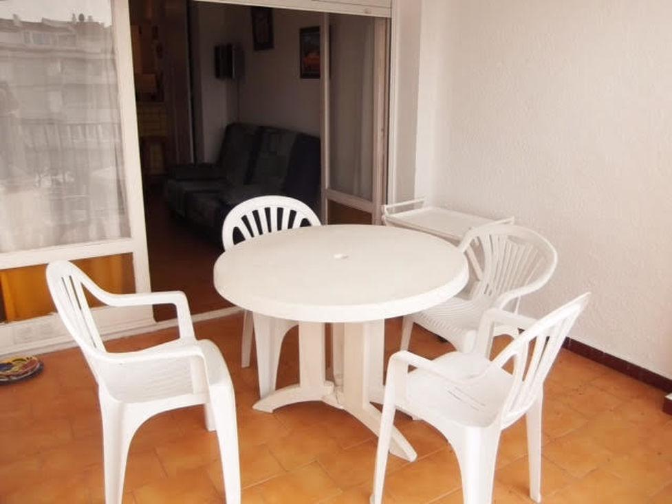 Empuriabrava en vente appartement 1 chambre avec amarre for Vente privee chambre a coucher