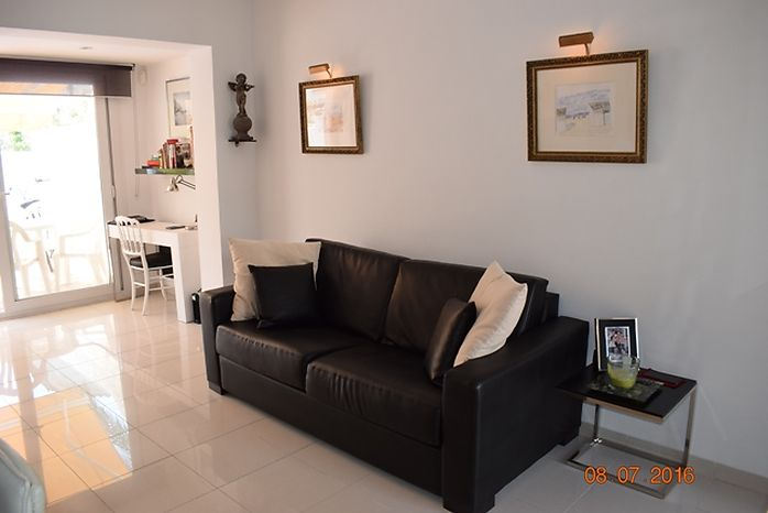 For sale en Empuriabrava Beautiful city house with private swimming pool
