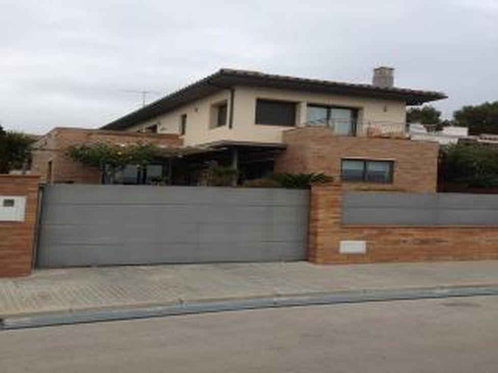 Maison moderne en vente rosas 5 chambres garage piscina - Ventes privees maison ...