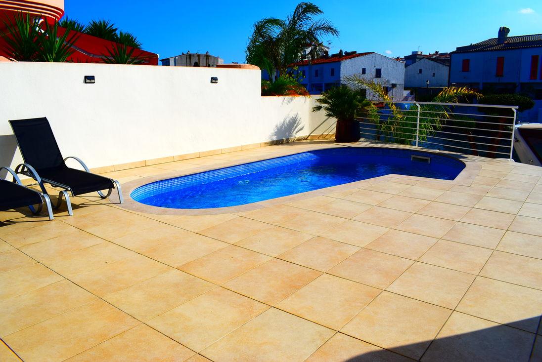 Piscina bonita bonitas piscinas hotel praia bonita for Casas con piscina privada para vacaciones
