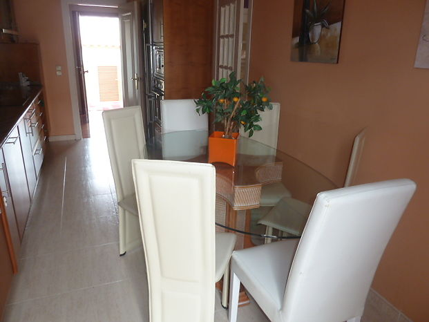 Empuriabrava for sale beautiful house 4 bedrooms near beach