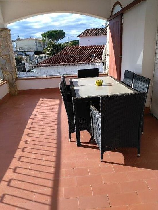 Empuriabrava for rent , house for 10 persons with pool