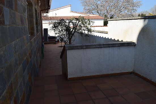 Castelló d'Empúries, house on ground floor for sale , full comfort and heated pool