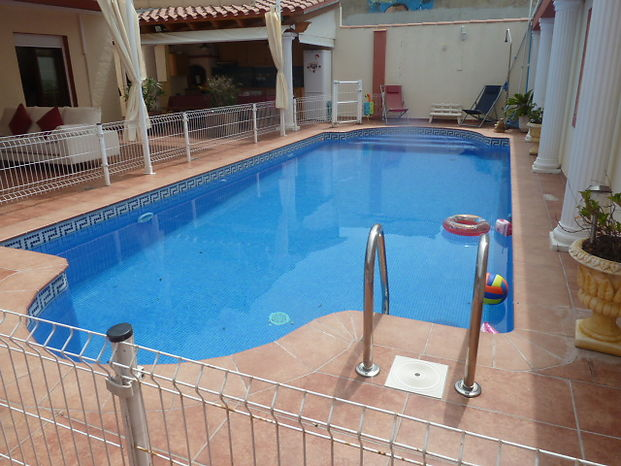 Attitude Services : villa for sale in Empuriabrava