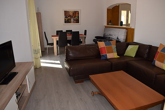 Empuriabrava, for rent, house for 6 persons with private pool and wifi