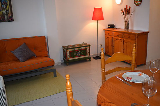 Empuriabrava, for rent, apartment  for 4 persons with view on the canal ref 337