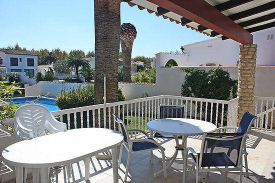 Empuriabrava, house for rent, for 8 persons  with private mooring and pool