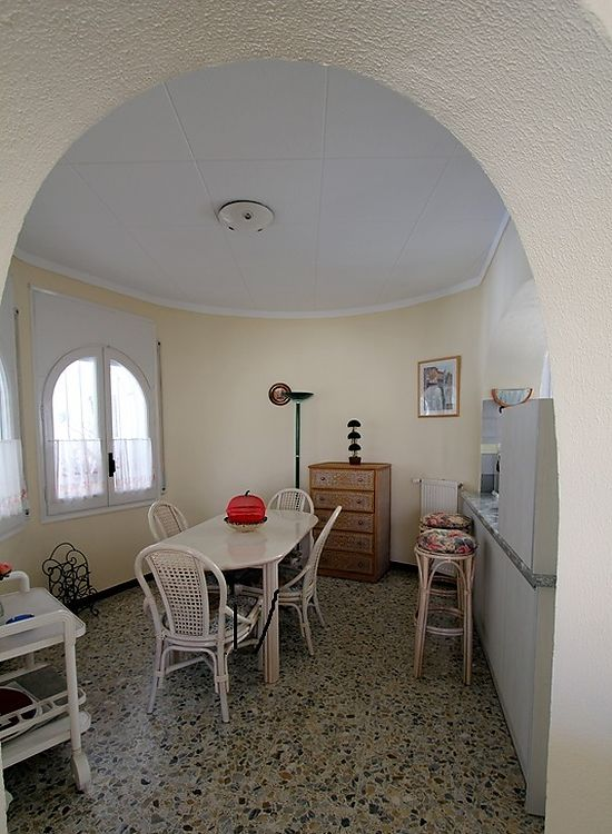 Empuriabrava, for rent, house with pool and private mooring