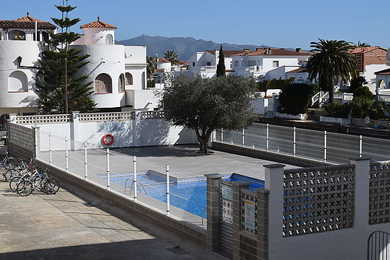 Empuriabrava, for rent , apartment 1 bedroom,  with comunity pool