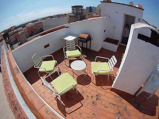 Empuriabrava, apartment for sale with terrace and solarium, view on the bay, near beach and center, private parking place