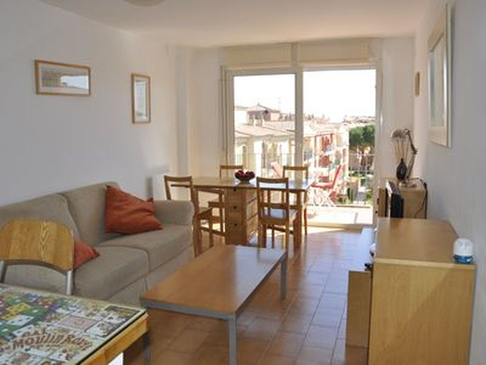 Empuriabrava, apartment for sale, near of beach, view and parking