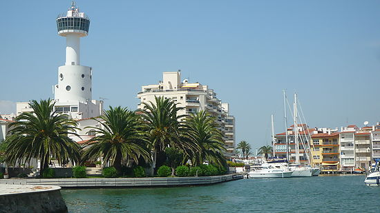 Empuriabrava, for sale, apartment with 1 bedroom, terrace of 12 m2, view on the sea and canal, near of beach and center
